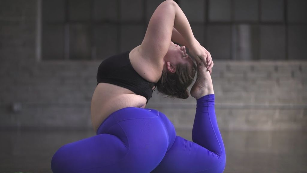 Sí, se puede ser gorda y yogui: recopilamos a las mejores