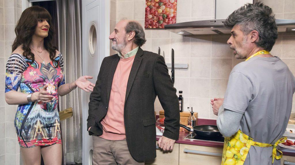 Los actores Víctor Palmero (Alba Recio), José Luis Gil (Enrique) y Nacho Guerreros (Coke), en el noveno capítulo de la décima temporada de 'La que se avecina'.
