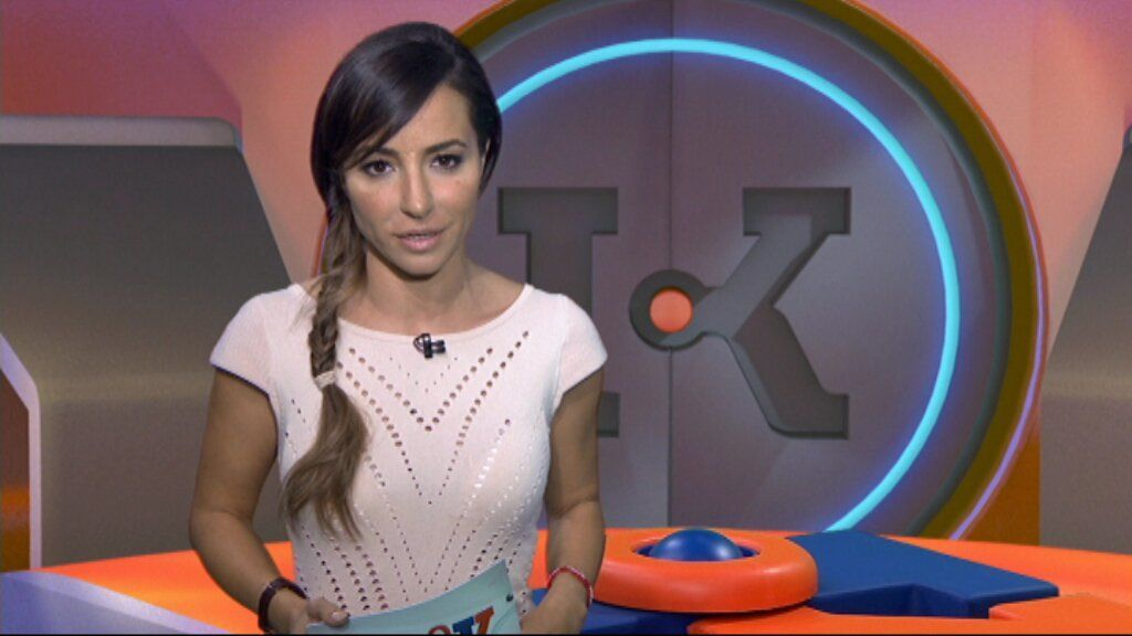 Laia Servera, presentadora del programa de Súper3 'InfoK'.