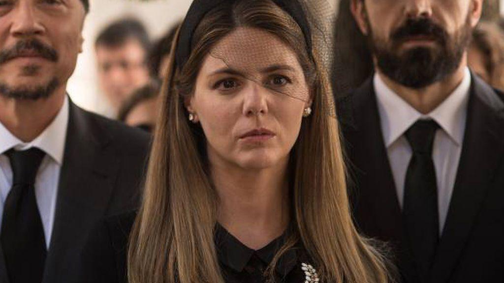 Manuela Velasco es Isabel Fuentes en 'Traición'.