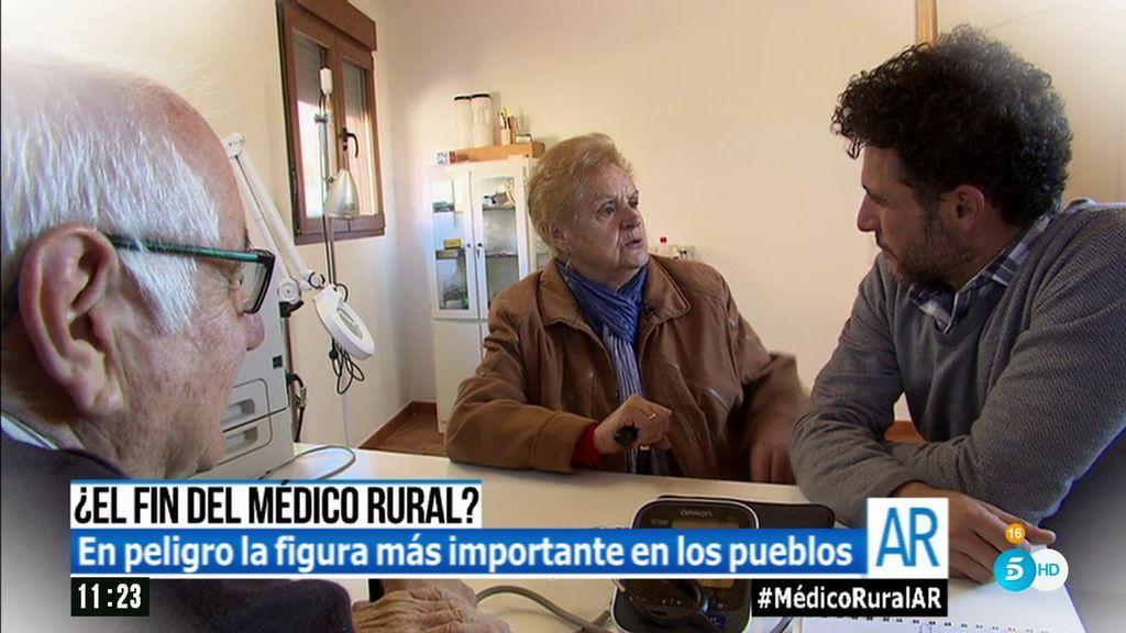 """¿El fin del médico rural? """"No te jubiles nunca, José Luis"""""""