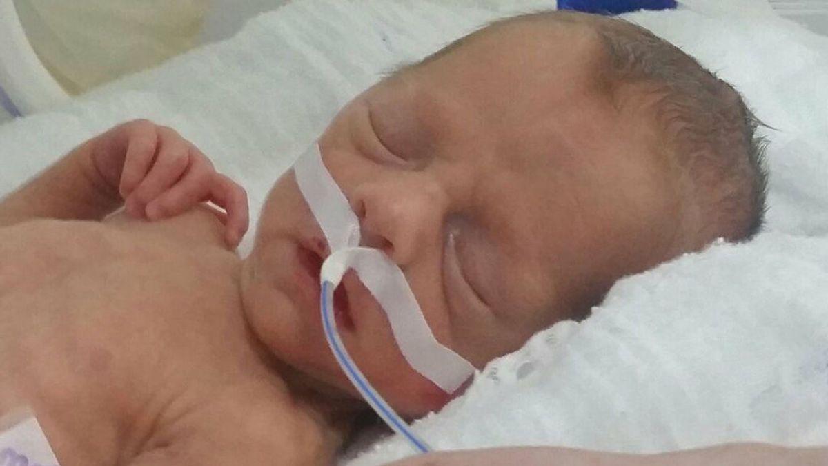 """Un bebé """"tomado como rehén"""" en Turquía porque sus padres no pueden pagar su tratamiento"""
