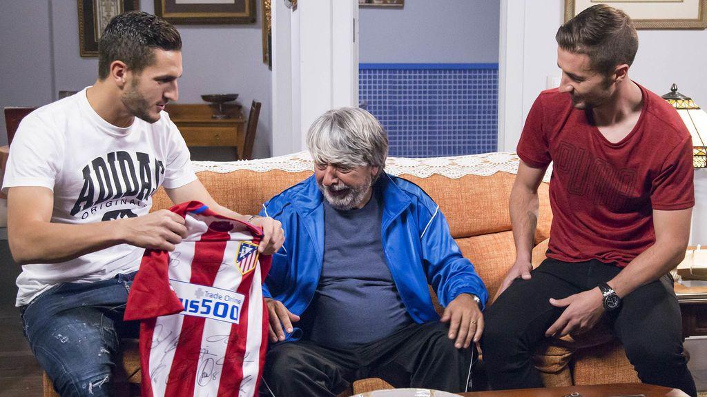 Koke Resurreción, Vicente (Ricardo Arroyo) y Gabi Fernández en 'LQSA'.