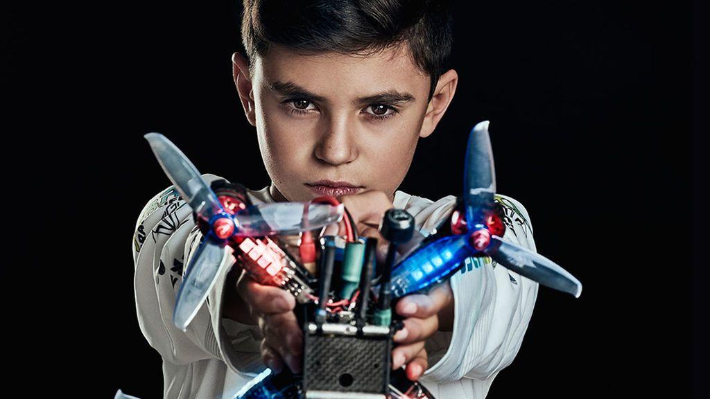 El campeón de España de carreras de drones, Álex Zamora, y el campeón francés unen sus fuerzas por primera vez en Valencia