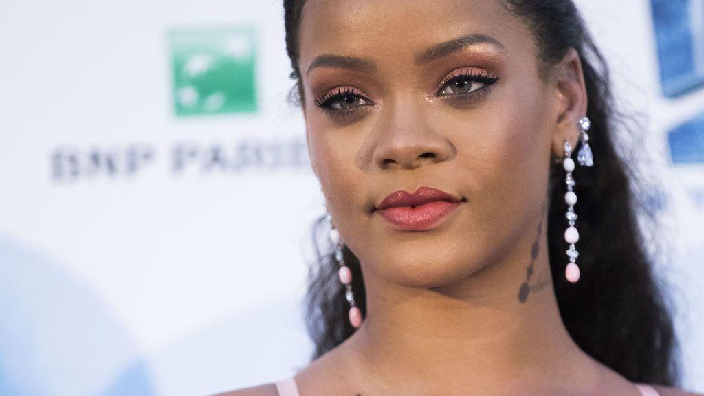 Rihanna desvela cómo fue su infancia en Barbados