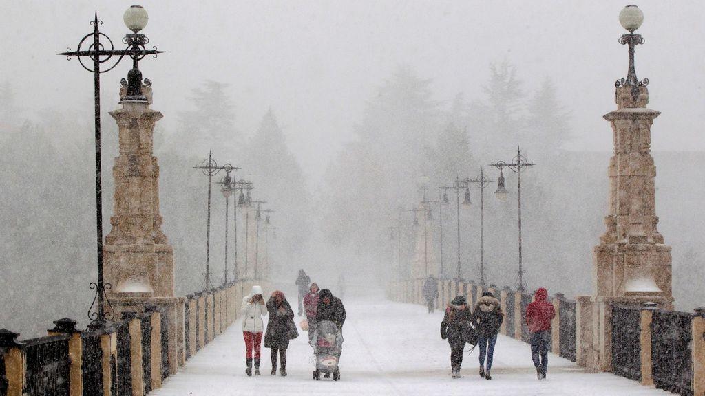 La ola de frío pone hoy en aviso a 31 provincias por bajas temperaturas, viento y fuerte oleaje
