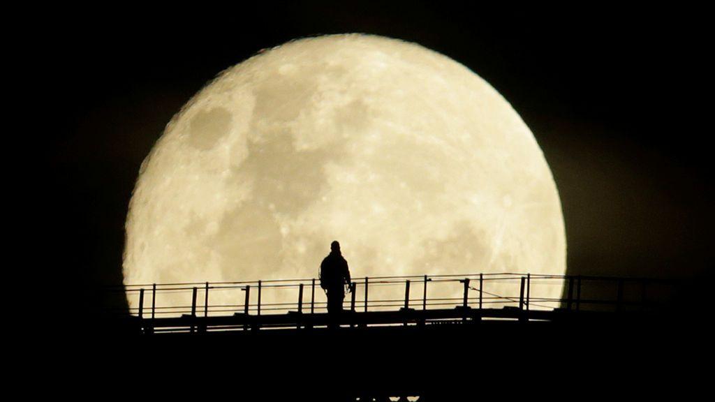 Esta noche no olvides mirar al cielo... ¡habrá superluna!