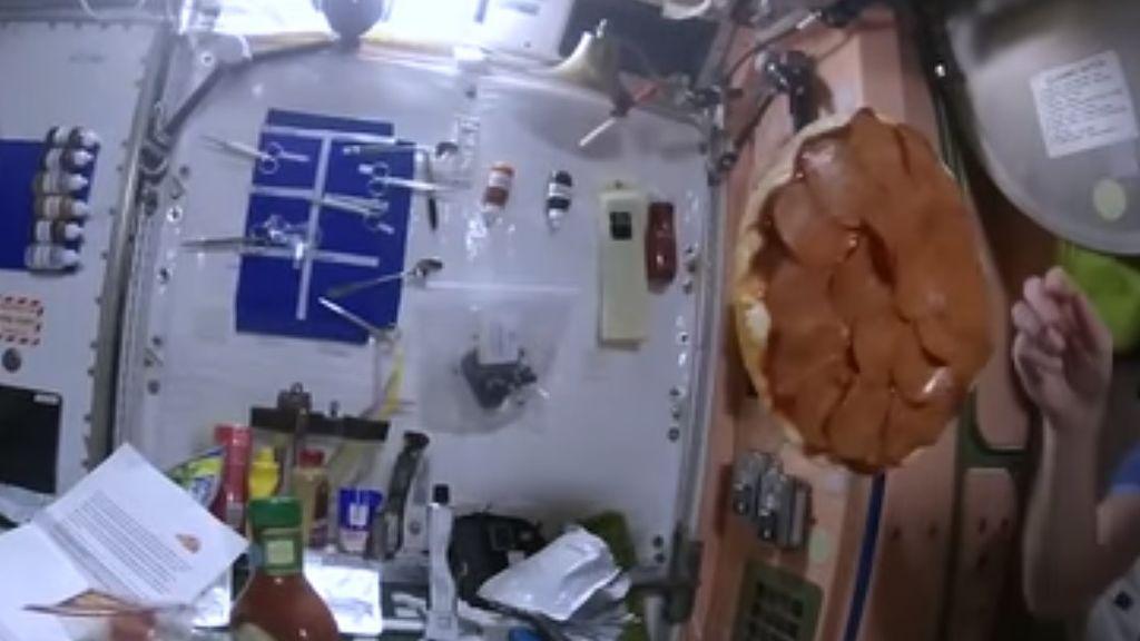 Cómo preparar una pizza en el espacio