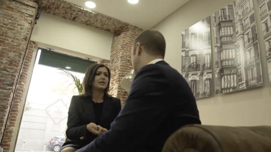Alejandra Andrade estrevistará a empresarios y jeques árabes  que invierten en España en 'Fuera de cobertura'.