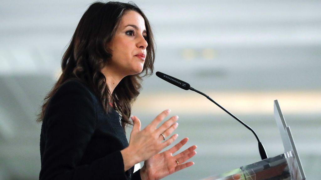 Arrimadas respeta la decisión judicial de mantener en prisión a Junqueras, Forn y 'los Jordis'