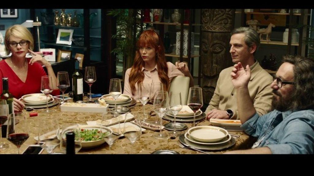 'Perfectos desconocidos' arrasa en los cines en su primer fin de semana
