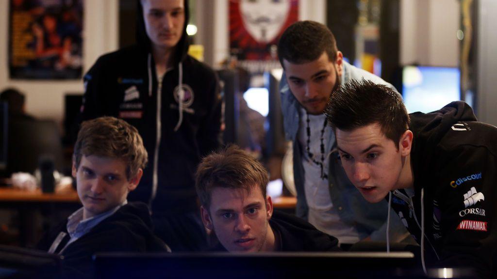 Los tres videojuegos sobre videojuegos que te convertirán en el mejor entrenador de eSports