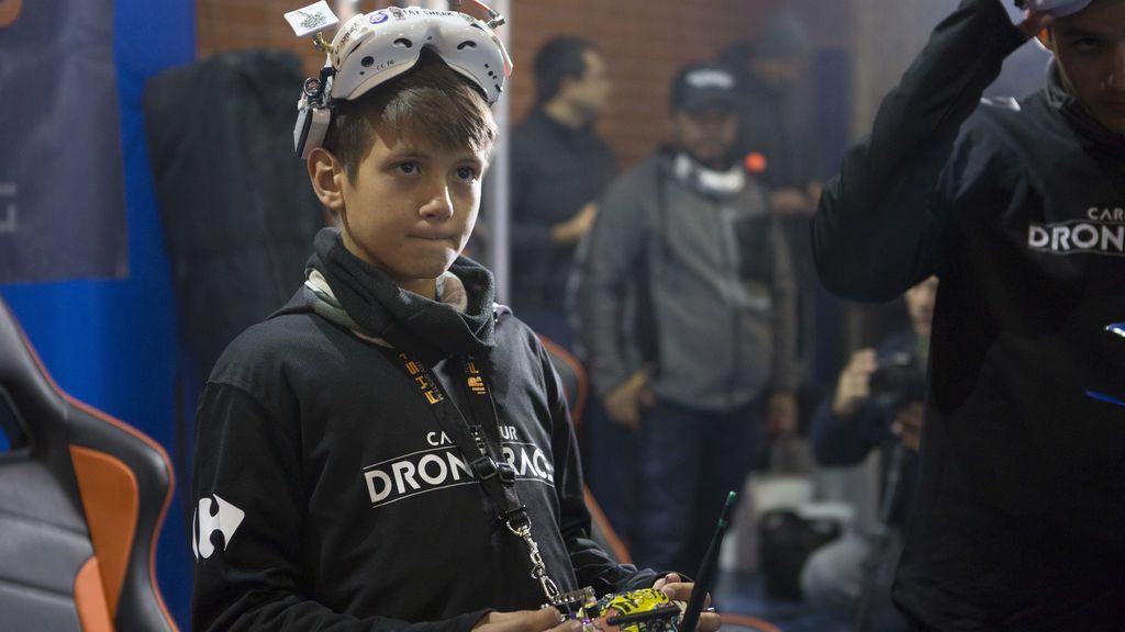 ¡Sorpresa en Valencia! Erick Carratalá supera al campeón de España de carreras de drones, Álex Zamora