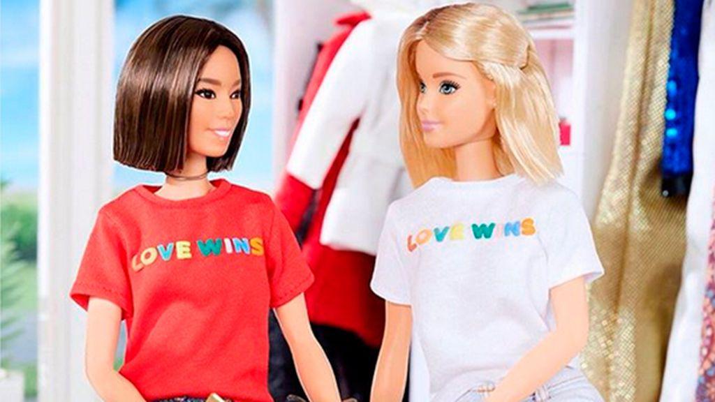 La camiseta lovewins de Barbie y otras prendas icónicas del avance LGBTI