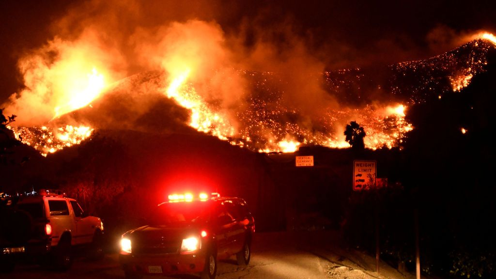 Las llamas en California calcinan 28.000 hectáreas
