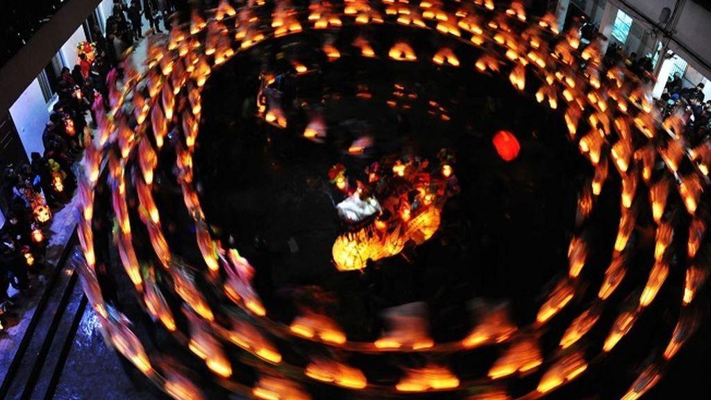 Muere una niña de 7 años al imitar el baile entre un círculo de llamas de una serie