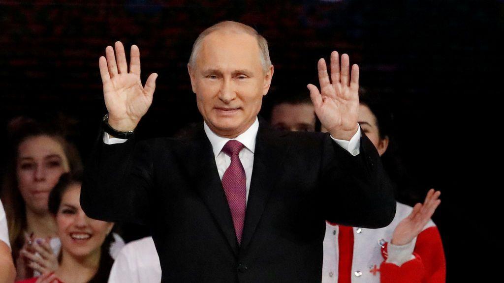Putin, en el congreso de voluntarios de Moscú