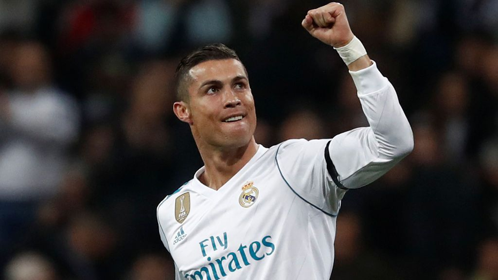 Cristiano Ronaldo recibe hoy su quinto Balón de Oro e iguala a Leo Messi