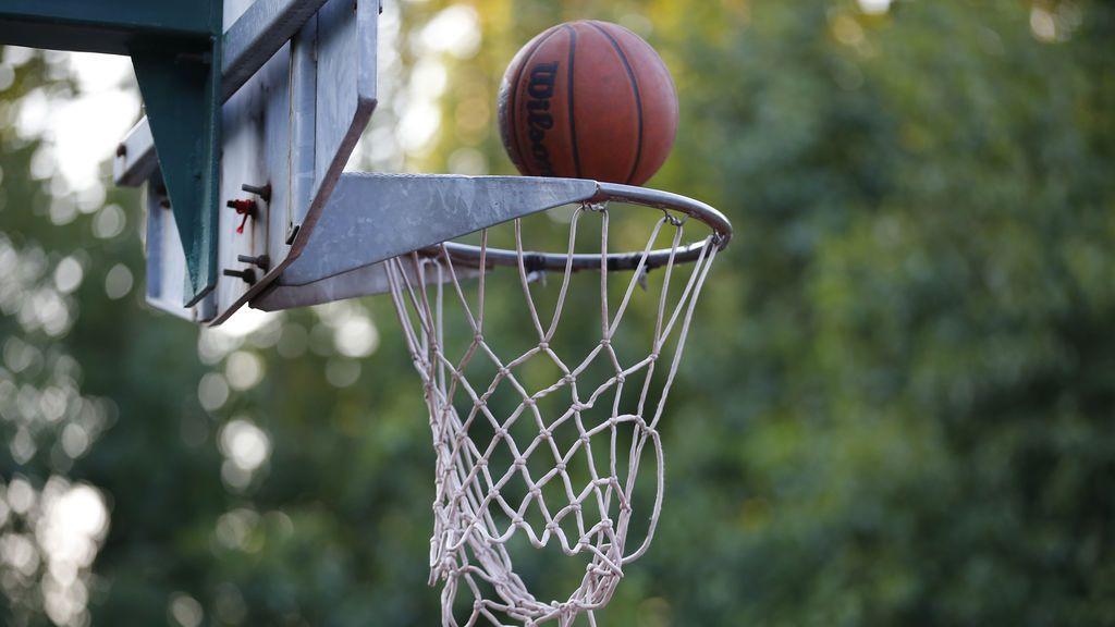 #SinBotesNoHayParaíso: Scariolo, Laso... el baloncesto se moviliza por los niños privados de deporte en colegios de Málaga