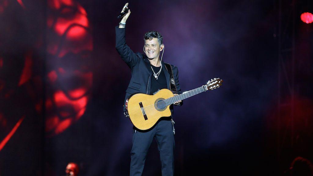 El cantante Alejandro Sanz, durante 'Alejandro Sanz. + es +. El concierto'.