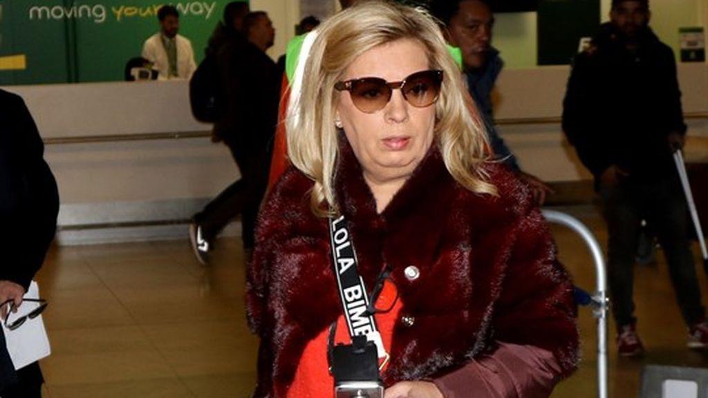 Carmen Borrego en el aeropuerto de Barajas para poner rumbo a Nueva York.