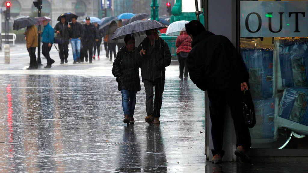 La borrasca Ana deja intensas lluvias y vientos de hasta 120 km/h