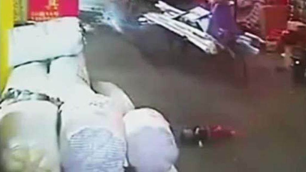 Atropella a una niña en China y la asesina para no pagar una indemnización