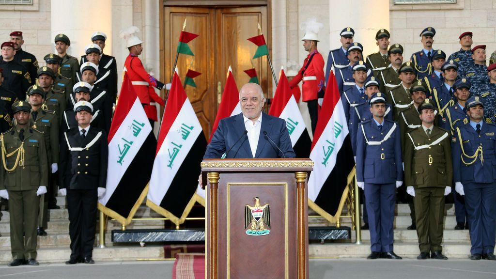 """El primer ministro iraquí proclama el """"final de la guerra"""" contra Estado Islámico"""