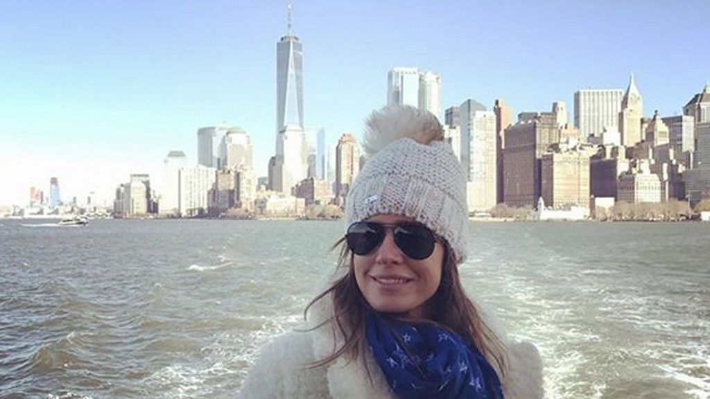 """¡Perritos calientes y nieve! Isabel Jiménez se lo pasa """"pipa"""" en Nueva York"""