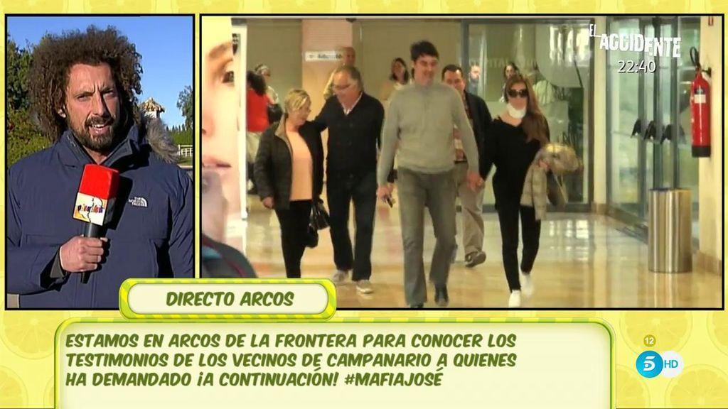 Han intentado impedir la entrada de 'Sálvame' a la urbanización de Jesulín y Campanario