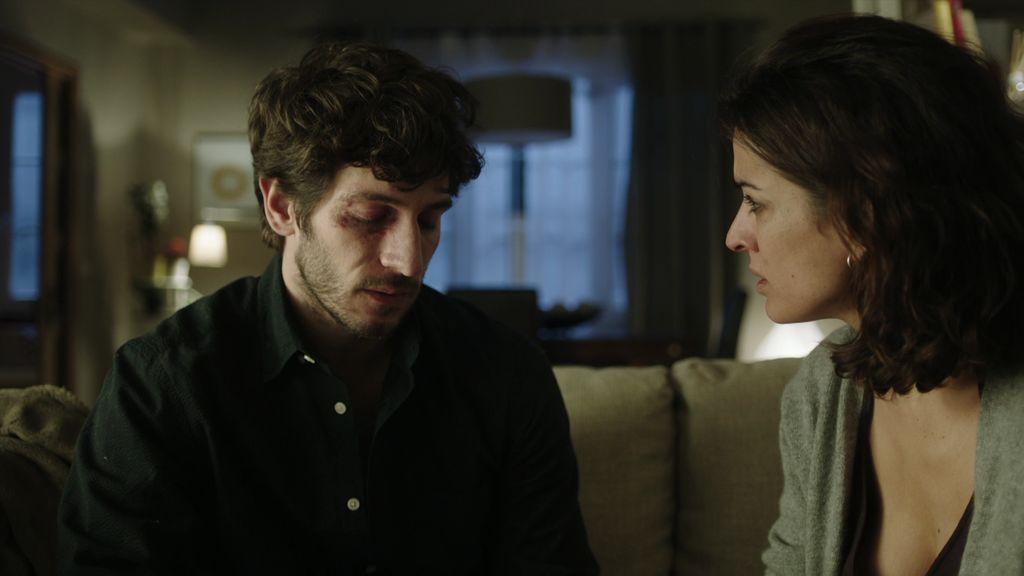 José Espada vuelve a casa… y le cuenta una mentira (de las gordas) a Lucía