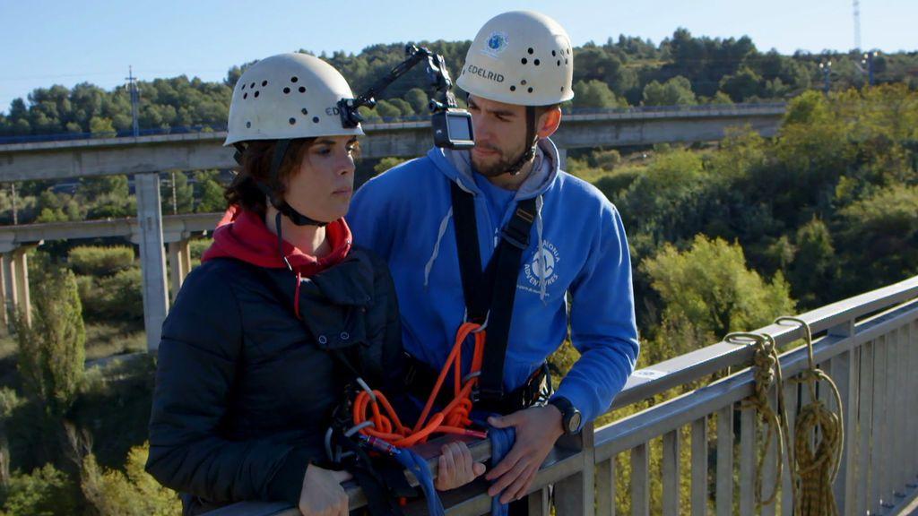 Samanta Villar, a punto de saltar desde un puente para enfrentarse a su vértigo