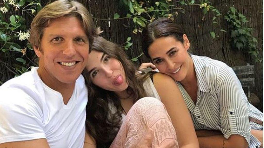 """Vicky Martín Berrocal y el Cordobés felicitan a su hija por los 18: """"Cuando tú me miras, mi vida tiene sentido"""""""