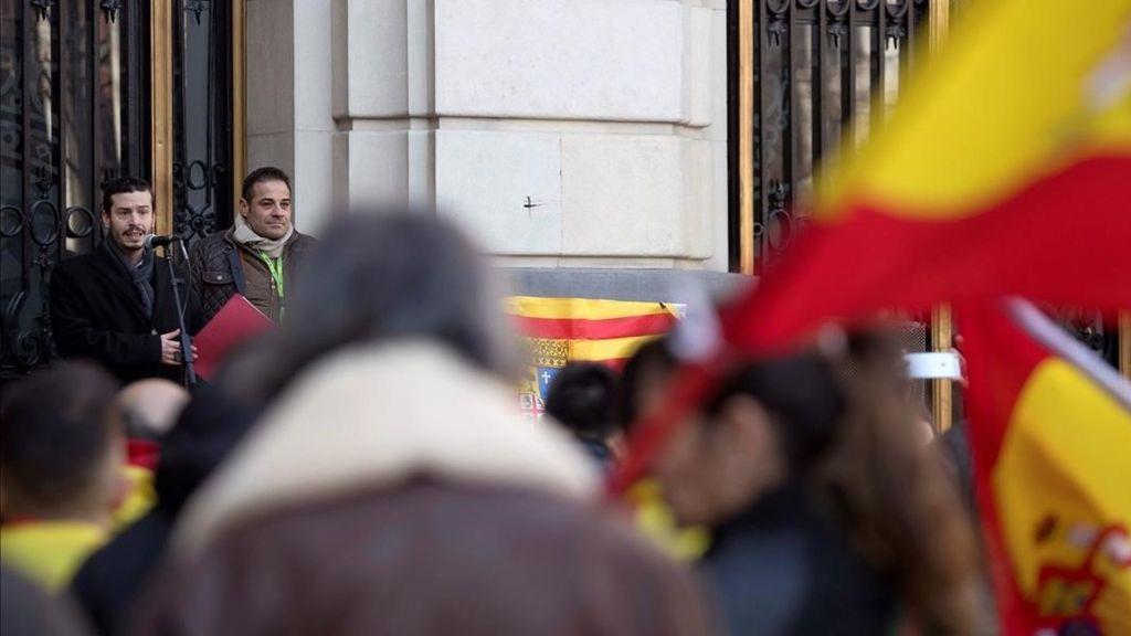Muere un hombre que fue golpeado por llevar unos tirantes con la bandera de España