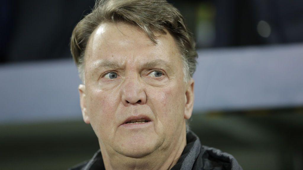 "Van Gaal carga contra Mourinho: ""Está practicando un fútbol muy aburrido"""