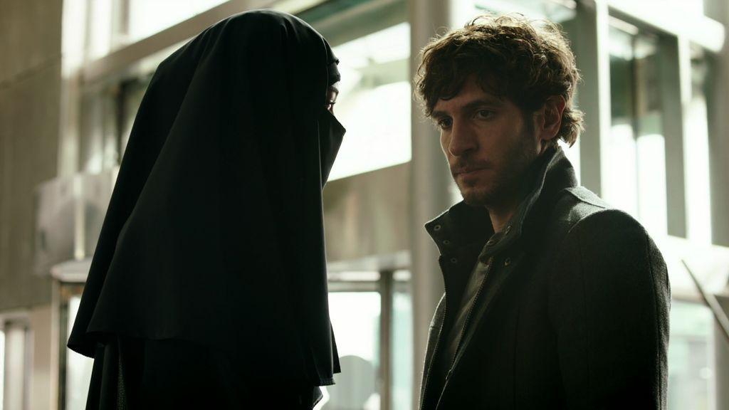 Los nervios traicionan a José y es María la que se juega la vida para sacarle de Turquía
