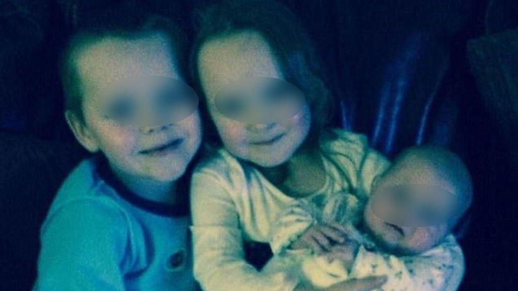 Vierte gasolina por una chimenea y provoca un incendio en el que mueren tres niños