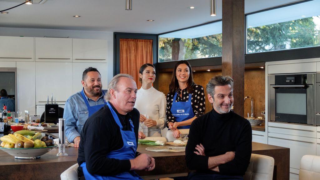 Los actores de 'Perfectos desconocidos' visitan a Bertín Osborne en 'Mi casa es la tuya'.