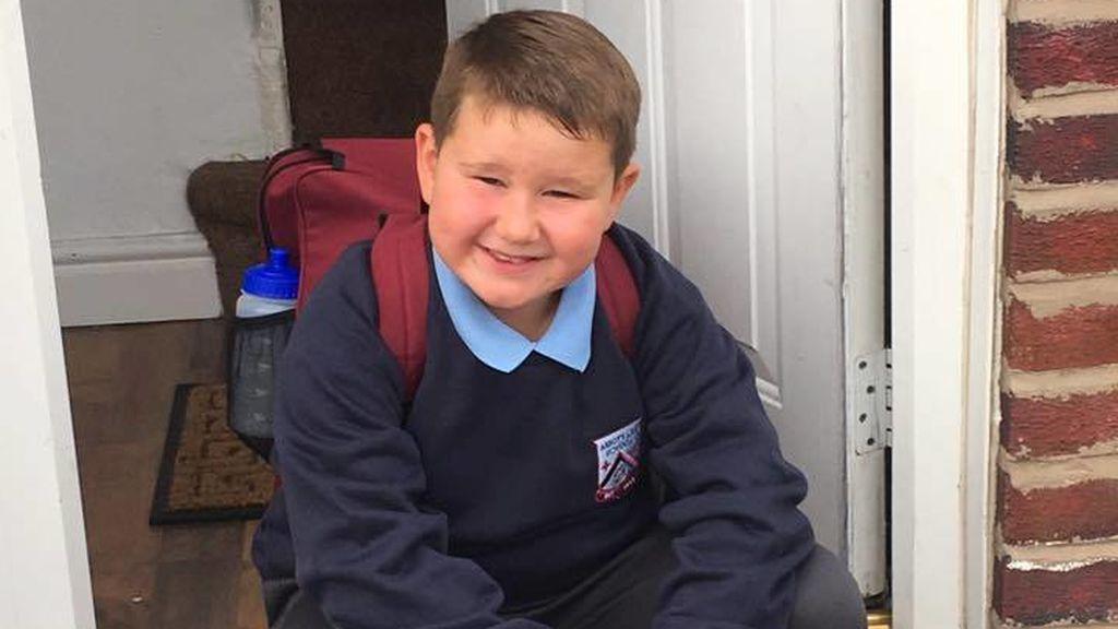 Sin cama en el hospital para Jack, un niño con autismo que ha intentado suicidarse