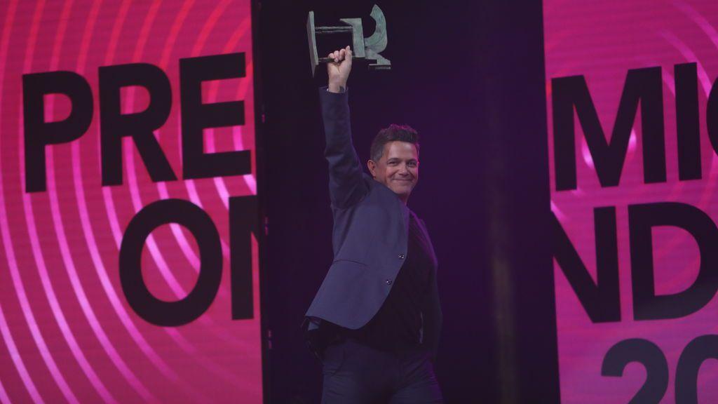 Alejandro Sanz. Premio al artista del año.