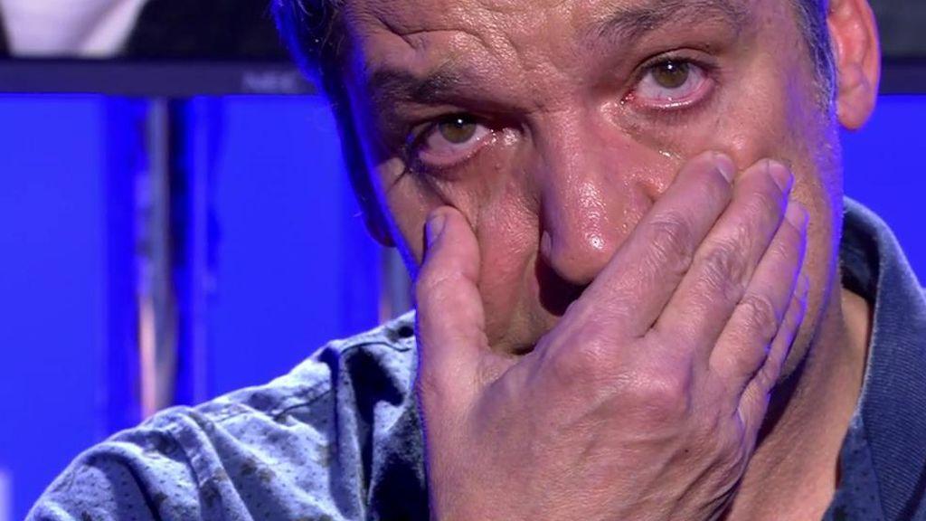 """Gustavo González se rompe al relatar su divorcio: """"Me siento egoísta viendo el dolor que he causado"""""""