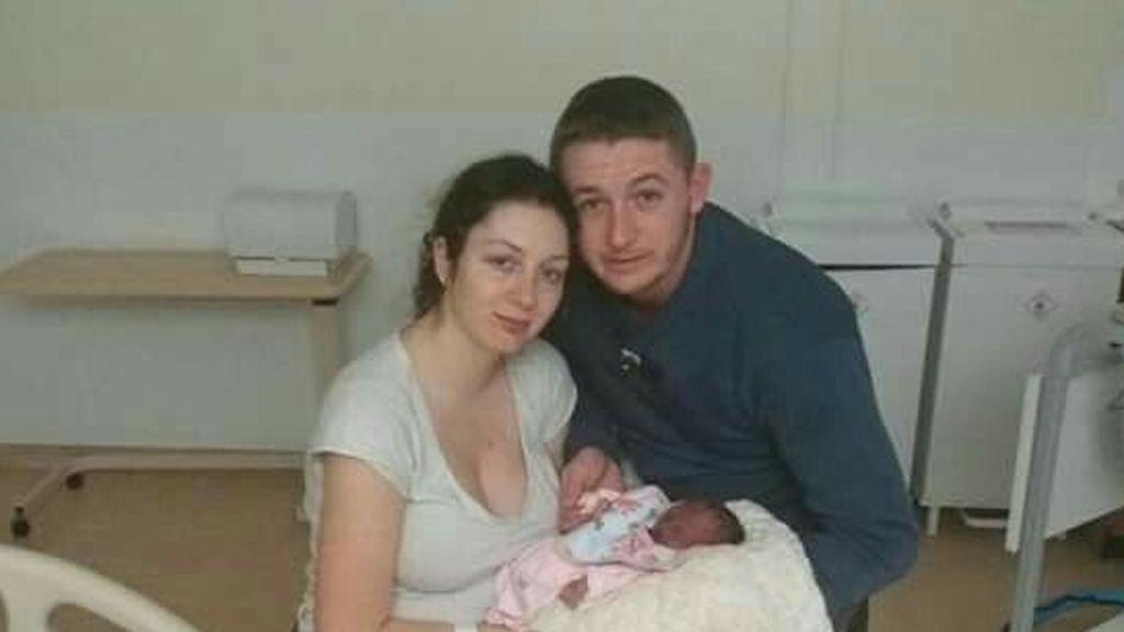 Ladrones destrozan a una familia a la que le robaron las cenizas de su bebé