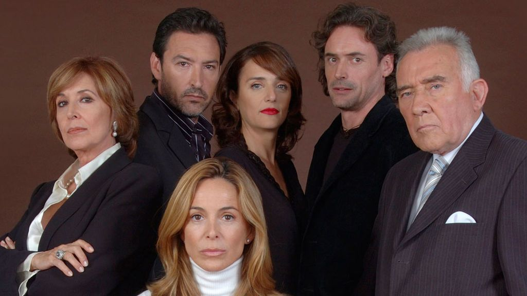 ¡Vota! ¿Quién era tu personaje favorito en la serie 'Motivos Personales'?