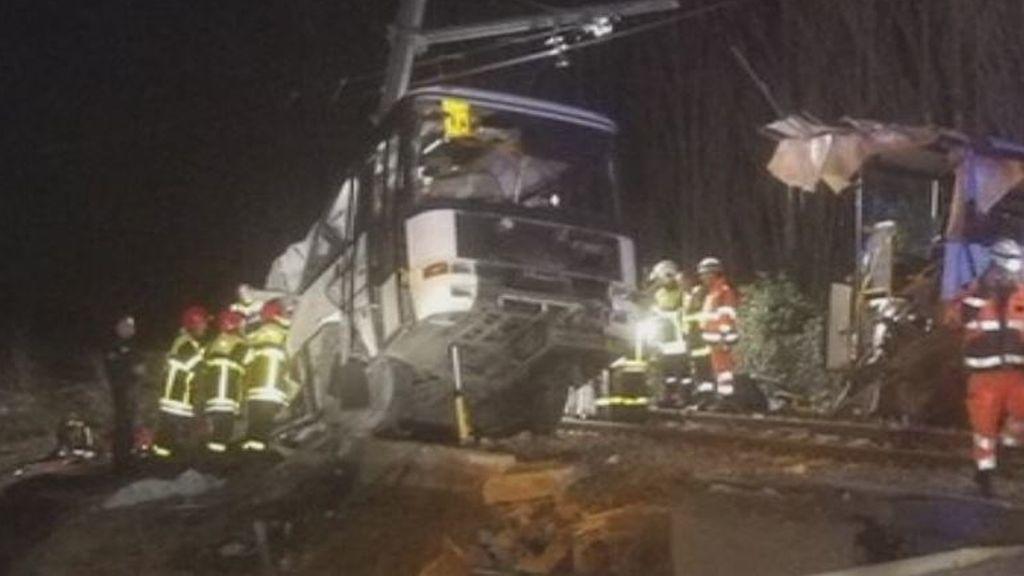 Al menos cuatro niños muertos en Francia al chocar un tren contra su autobús escolar