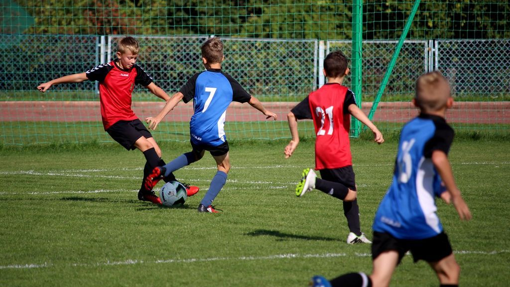 Demostrado Jugar Al Futbol Mejora El Desarrollo De Los Huesos En