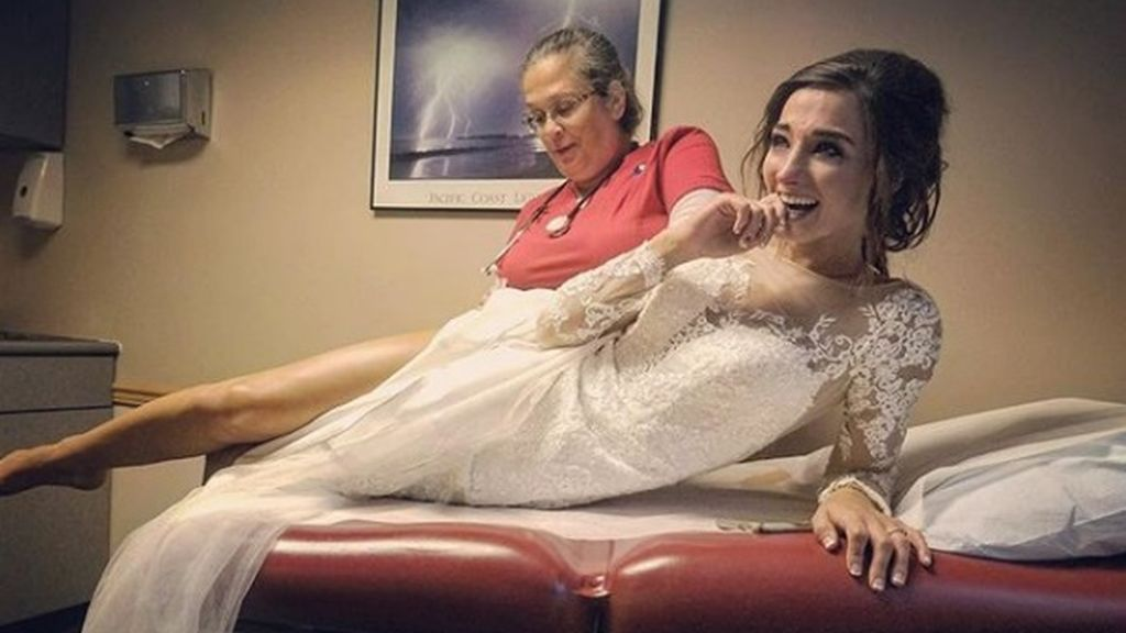 Su ramo de novia le da alergia... ¡y termina en el hospital el día de su boda!