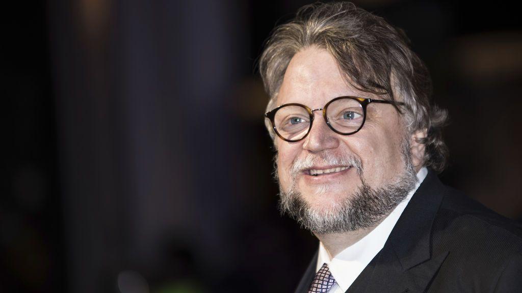 Guillermo del Toro paga un tratamiento médico después de que le pidiesen hacer un retuit