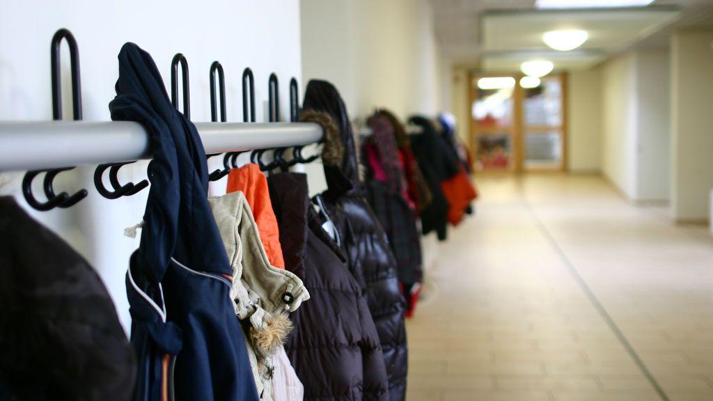Condenados unos padres de Almería que tuvieron a su hija un año sin escolarizar