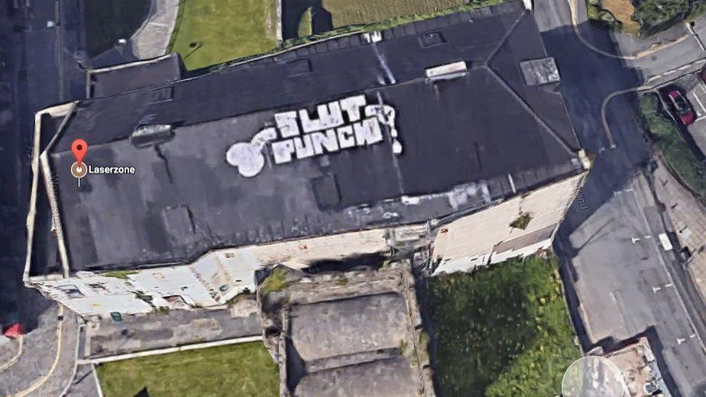 Un grafiti de altura que saca los colores a una ciudad entera en Reino Unido