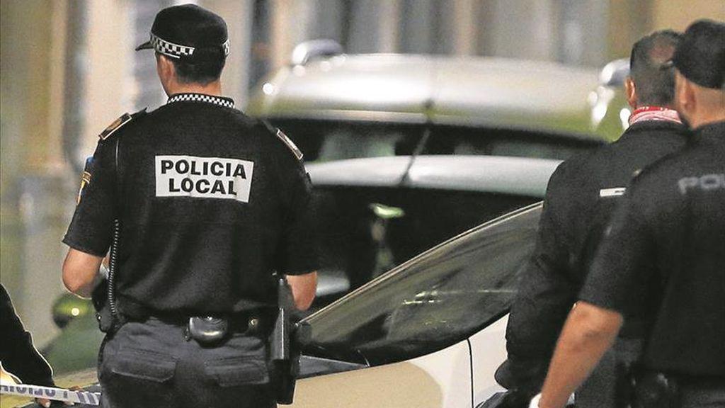 """Un hombre admite que mató a puñaladas a su vecino en Alicante porque llamó a su puerta """"agresivo"""" y borracho"""